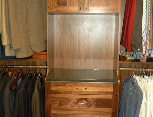Walk-in-closet-wood-4