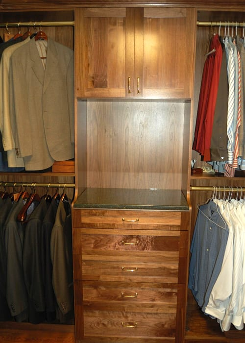 RWC-Walk-in-closet-wood-4