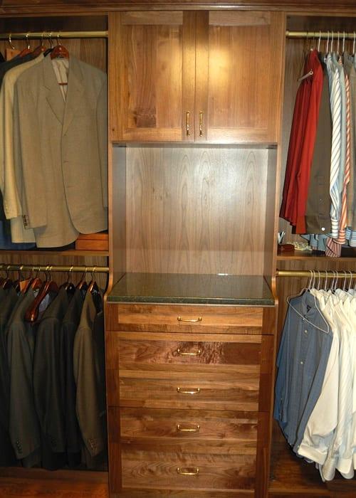 RWC-Walk-in-closet-wood-4
