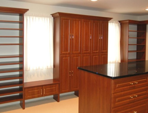 walk-in-closet-wood-with-Island