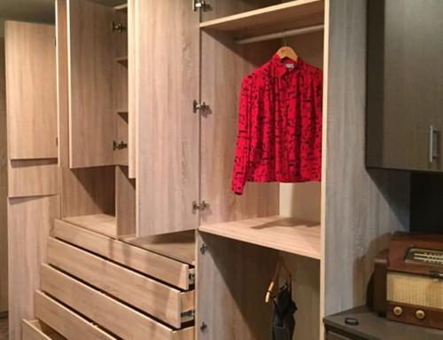 closet-wood-contemporary
