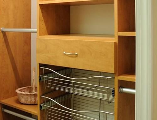 reach-in-closet-wire-baskets