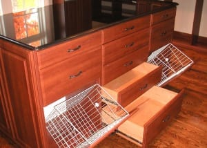 RWC-walk-in-closet-with-island-wire-basket