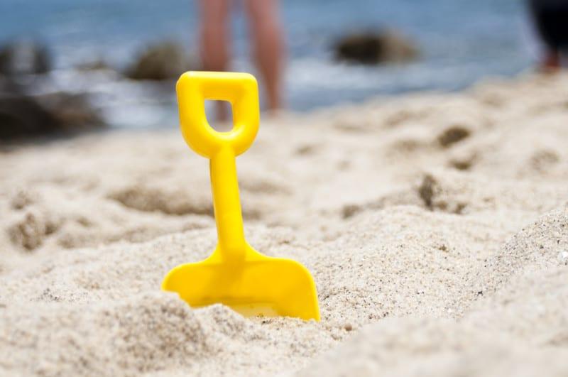 beach pail shovel